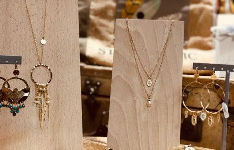 pluie-etoiles_pret_a_poter_Be_happy_lyon_decoration_bijoux_accessoires_foulards